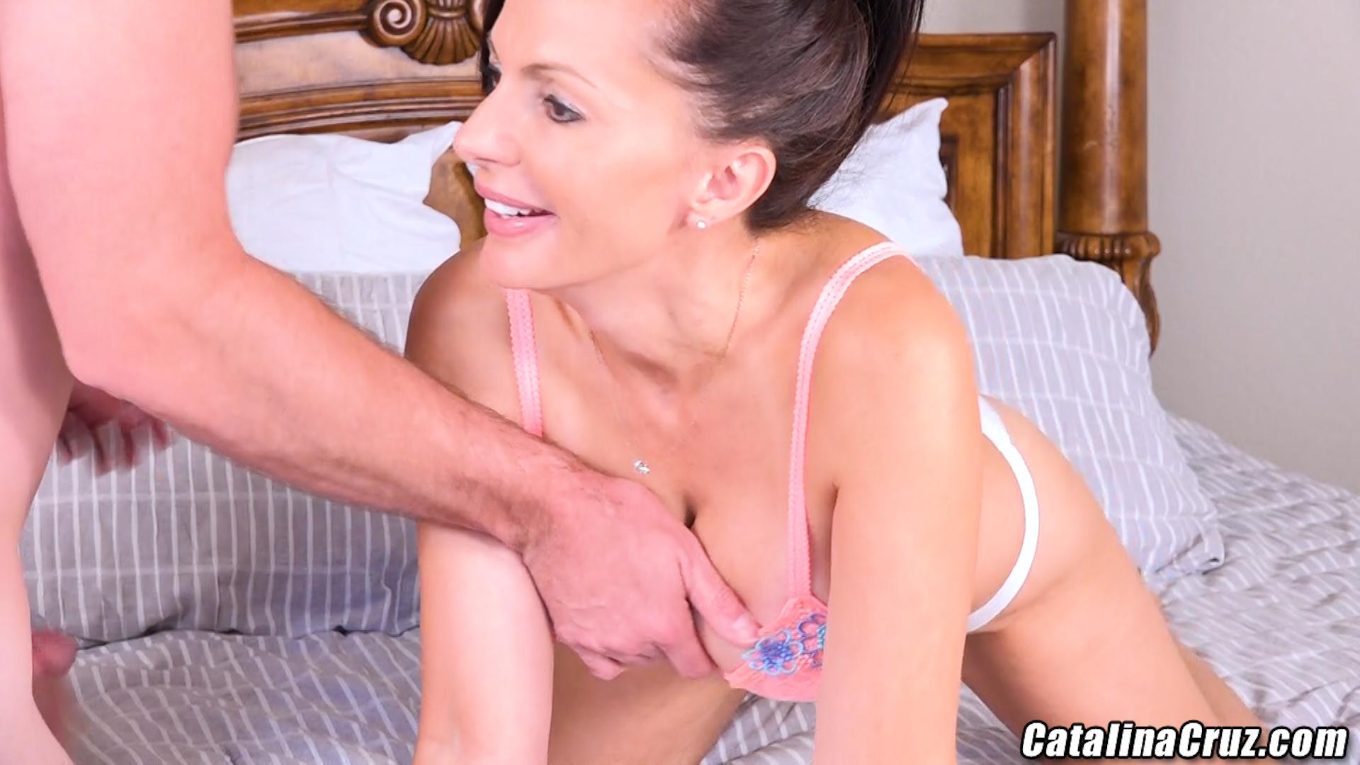 Catalina Cruz beautiful fat ass is built for anal sex ...