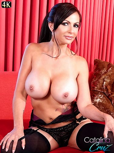 Catalina Cruz curvy body fills out her black lingerie very well masturbating