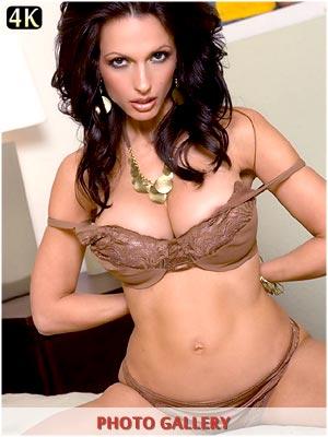 Catalina Cruz matching bra and pantys in bed photos