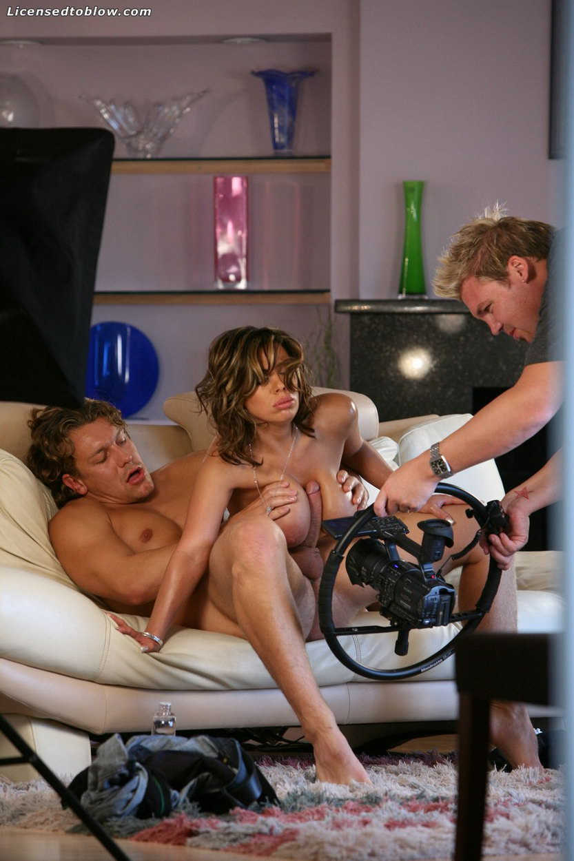 Big breasted milf invites a stallion for interracial plowing - 5 5