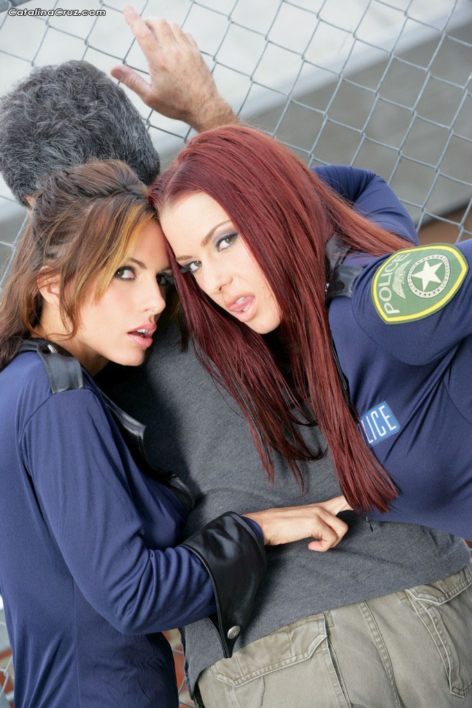 Hot lesbian cop video chinese